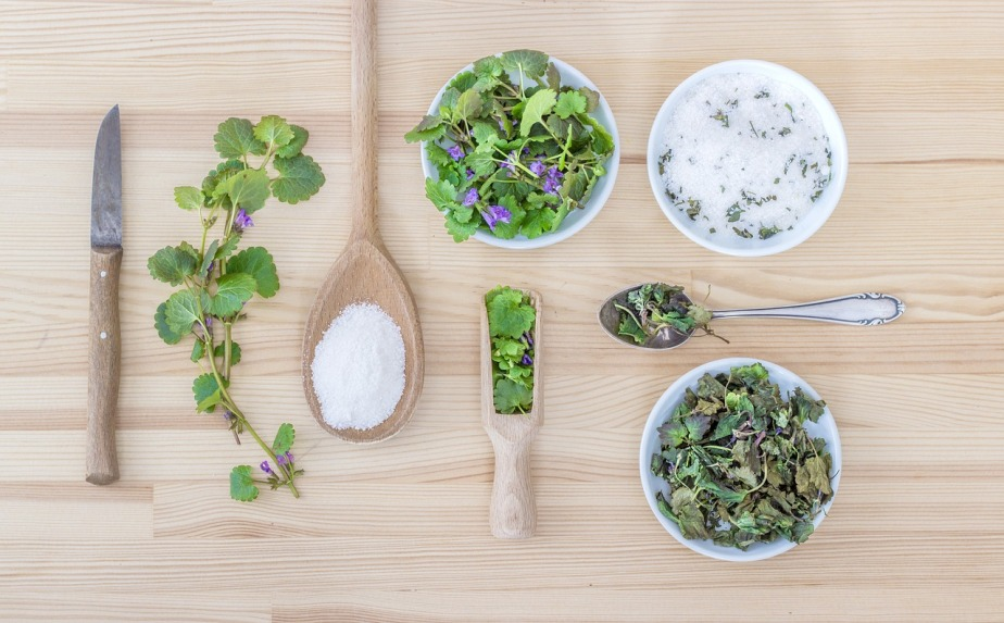 herbs-2427845_1280.jpg