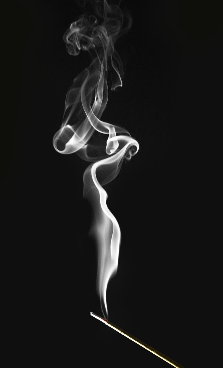 smoke-802587_1280.jpg